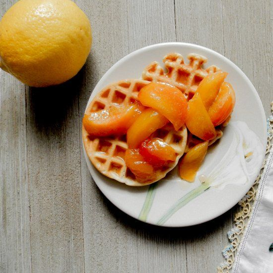 Super easy and fast mini organic waffles with a homemade peach compote. Fun, delicious and healthy.
