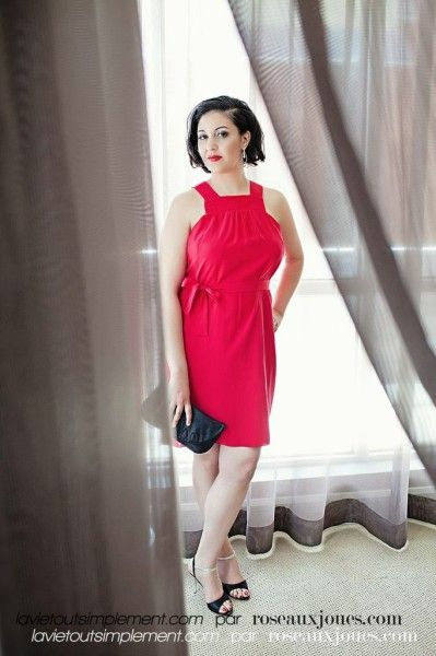 Superbe robe Martin Lim avec des boucles d'oreilles AP Bijoux. #EnModeLocale