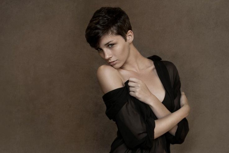 Androgynous Beauty: Brittani Kline