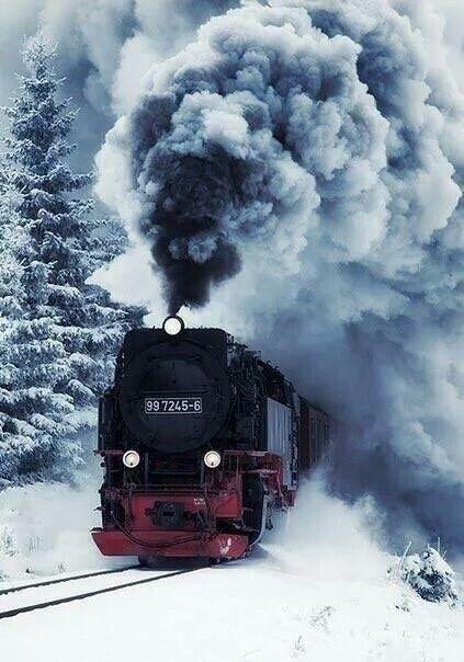 TRAIN MAKING WAY THRU SNOW, AWESOME!  - WINTER WONDERLAND ❄