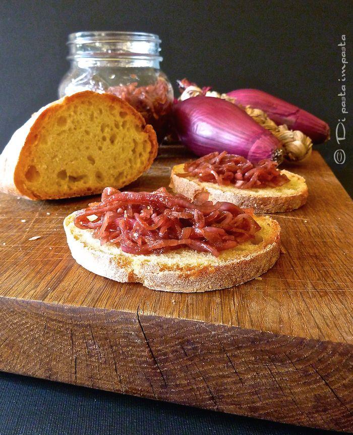 Di pasta impasta: Cipolle rosse all'aceto balsamico (senza cottura)