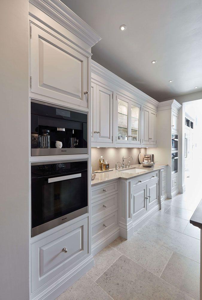Best Luxurious White Kitchen In 2020 Interior Design Kitchen 400 x 300