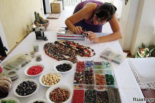 Video #1 - Φτιάχνουμε κοσμήματα με χάντρες - ftiaxto.gr