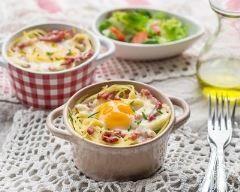 Spaghettis carbonara à la Vache qui rit en cocottes (facile, rapide) - Une recette CuisineAZ