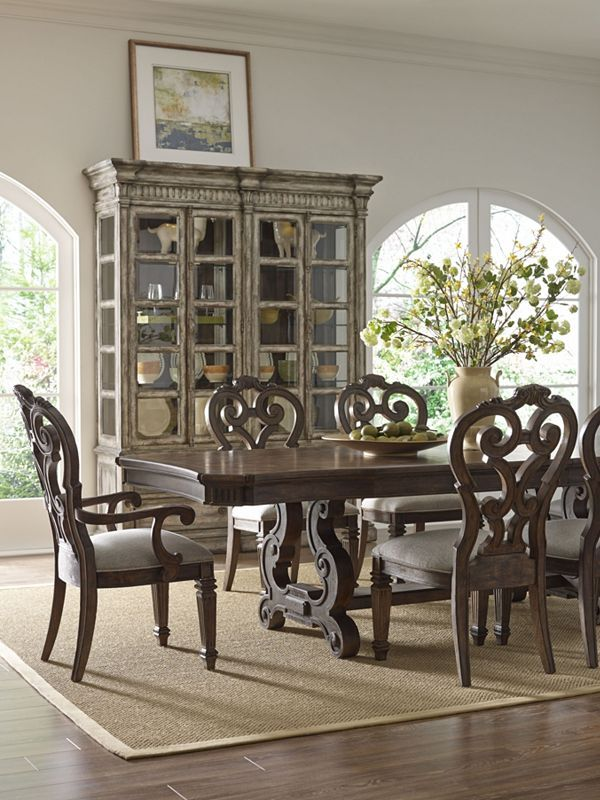 If Traditional, Approachable Elegance Defines Your Style, This Thomasville  Casa Veneto Stella Dining Room