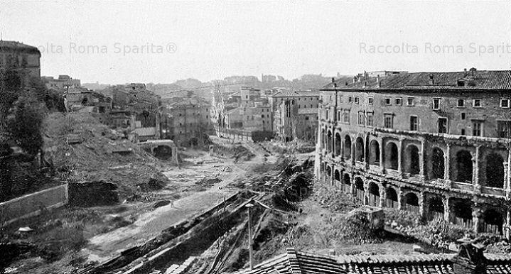 Foto storiche di Roma - Demolizioni per la Via del Mare e liberazione del Teatro di Marcello Anno: 1932