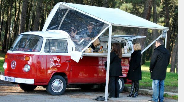 VW Bus Bar - clever solution...
