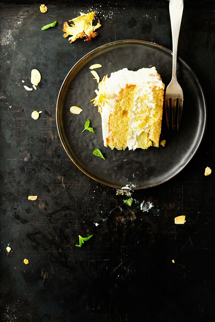 Almond cake with white chocolate and caramelised pineapple