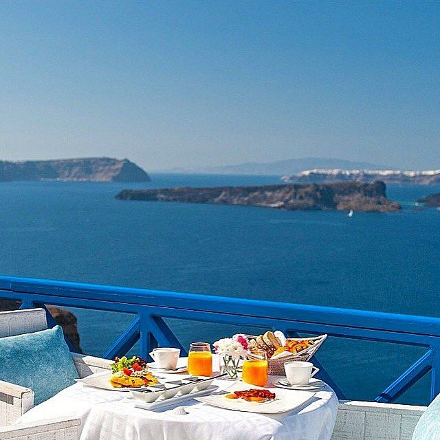 #Breakfast served at #Private Terrace #AstarteSuites #Santorini #Greece