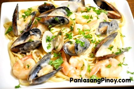 Creamy Seafood Pasta is a delicious creamy pasta dish that makes use of linguine, shrimp, bay scallops, mussels, and clams. This is a comforting dish that you can enjoy for lunch or dinner.