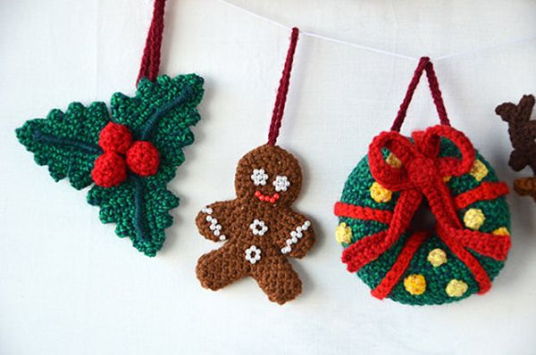 Christmas ornaments set crochet pattern by The Flying Dutchman crochet design