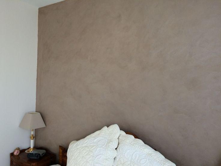 Plâtre ciré par B.CC pour ce panneau tête de lit