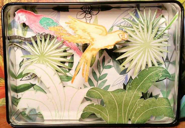 """2/6 défi gravure 2018,thème d'après la citation d'Audrey Hepburn """" créer un jardin c'est croire en l'avenir"""". J'adorerai avoir une serre tropicale ... À défaut je m'en suis réalisé une en papier ! 😄"""