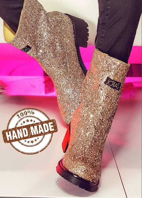 The golden Glitter boots made of natural leather are 100% handmade and are extremely chic and easy to wear @j