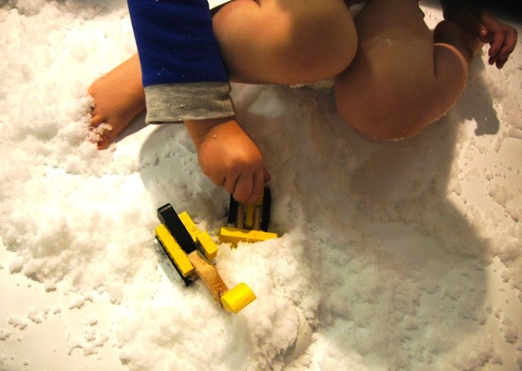 Can't get to the snow? @_hellosnow is a cool sensory play product which gives you the fun of the snow without the driving, wet clothes and freezing temperatures.   http://bit.ly/hellosnowfun  #tothotornot #hellosnow #fakesnow #instantsnow #sensoryplay