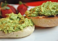 Pan con Palta - French Bread Roll with Avocado