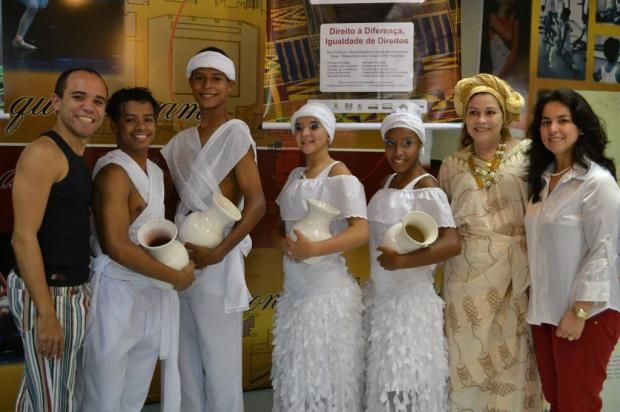 Programação da Semana da Consciência Negra no Teatro Bolshoi Brasil:  A escola do Teatro Bolshoi no Brasil o lançamento da 7ª Semana da Consciência Negra de Joinville.