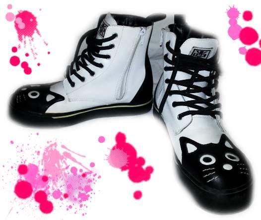 http://www.kijiji.it/annunci/abbigliamento-donna/roma-annunci-roma/tuk-anfibi-37-5-stivali-gatti-emo-punk-dark-gothic-lolita/55097218