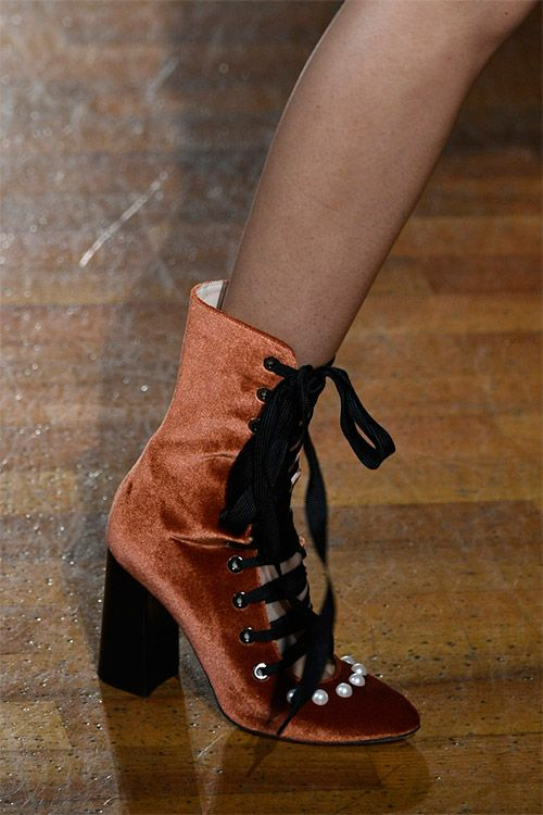 Модная обувь от Blugirl из коллекции осень 2017 / зима 2018