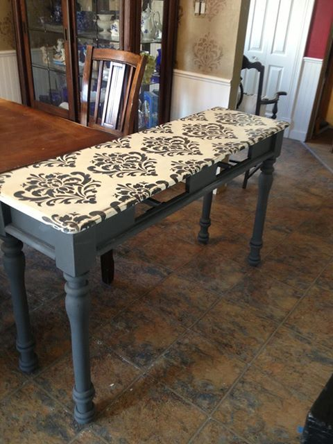 Ornamental Flower Wall Stencil on Table Top and Walls | Bonnie Soles of Newview Decorative Finishes #stencils #furniturestencils