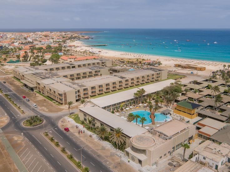 Hotel Oásis Salinas Sea