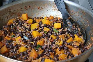 Chili van pompoen en zwarte bonen