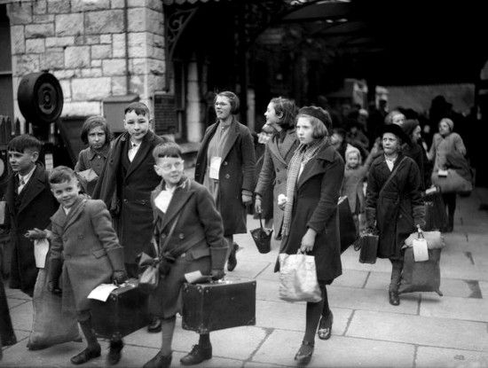 Operation Pied Piper: The Evacuation of English Children During World War II | Defense Media Network