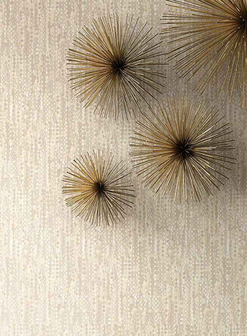 Tapet Vibe - Designul multicolor imbina fundalul, ce radiaza precum satinul, cu margelutele de diverse forme si marimi