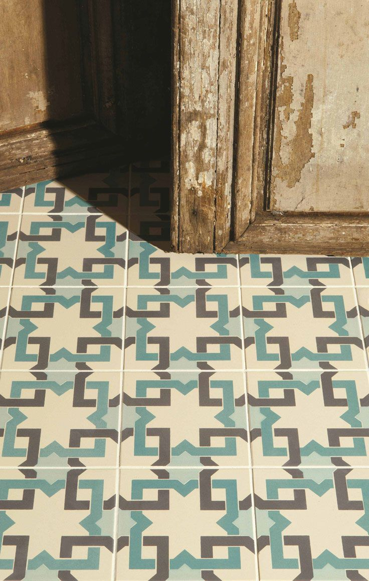 Original Style Ottoman from Castelnau Tiles #castelnautiles #floortiles #london #interiordesign #patternedtiles