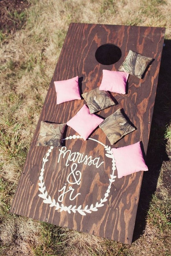 rustic shabby chic wedding game decor / www.deerpearlflow...
