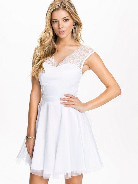 Wd - 12 Dress - Sisters Point - Vit - Festklänningar - Kläder - Kvinna - Nelly.com