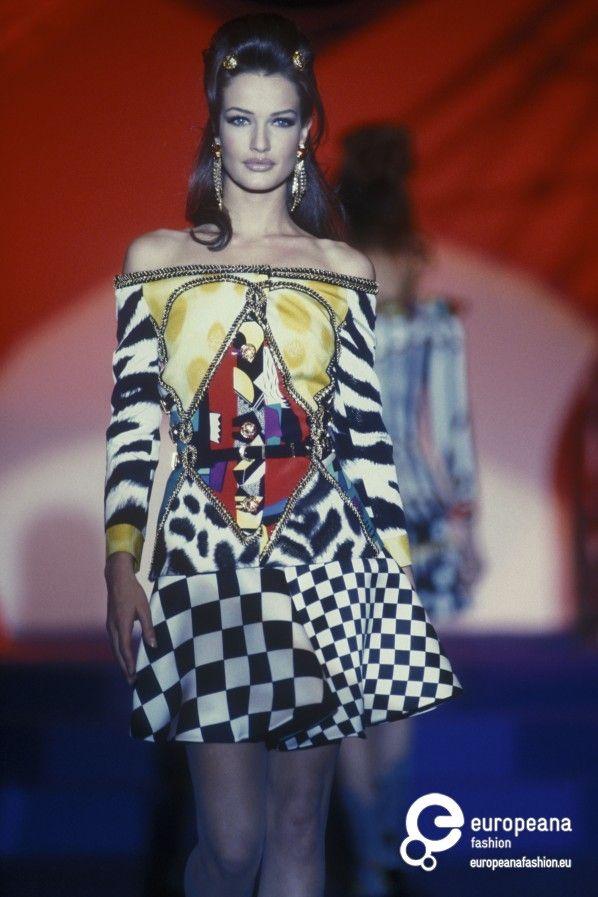 26 Best Versace Inspired Images On Pinterest: 17 Best Images About Versace HC S/s 1992 On Pinterest