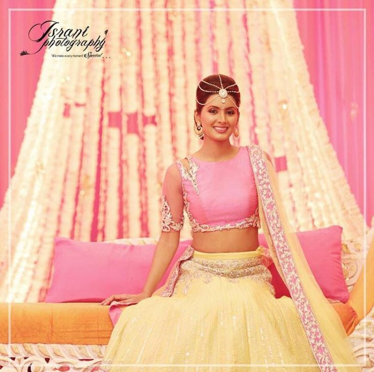 The beautiful @geetabasra in a lehenga by designer @archanakochharofficial!  Here's an exclusive picture from her Mehendi ceremony!  #GeetaWedsBhajji #HarbhajanWedsGeeta  #Wedding #Couple #India #Photo #Igers #IG #InstaPic #Love #Celebrations #Weddings #Shaadi #WeddingMovie #WeddingFilm #CelebrityWedding #WeddingPhotography