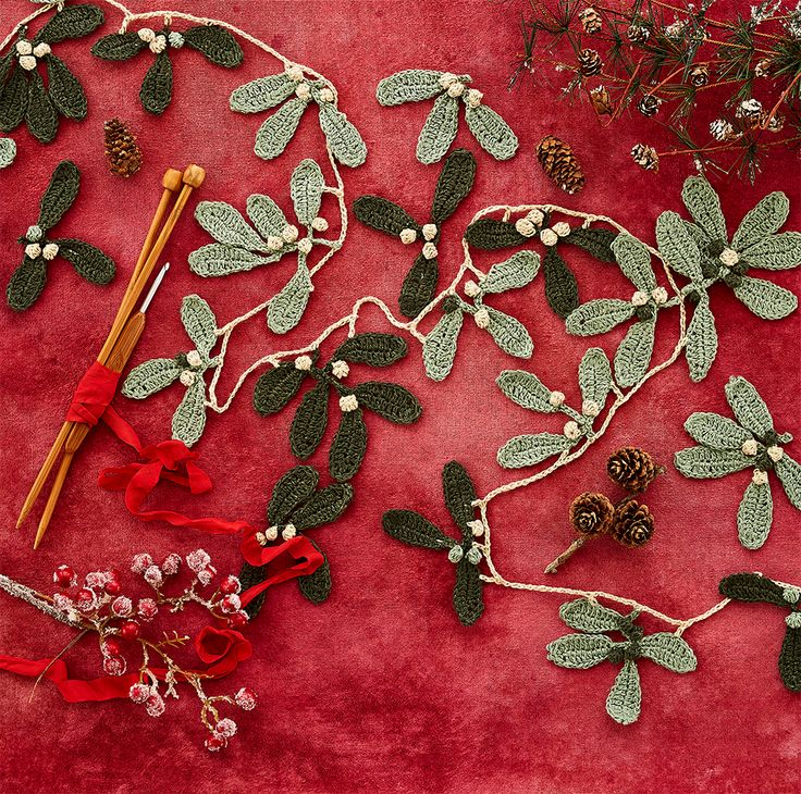 Mistletoe Garland at Loop London