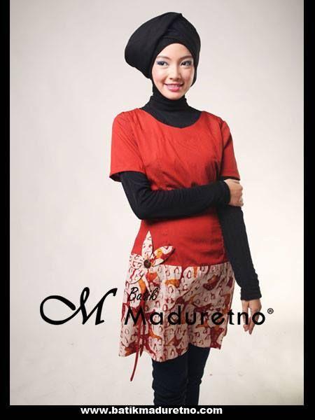 Dress batik tulis cantik yang terbuat dari bahan polos katun dan batik tulis dengan hiasan korsase  kode BC-018   ready size L, panjang baju 86, panjang lengan 20  harga Rp 255.000  Pemesanan melalui inbox Batik Maduretno  atau via SMS only ke 081.703.166.751 or sms/call 081.934639088