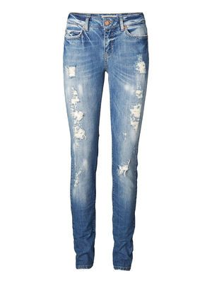Need this pair of jeans!LULU NW SLIM BA713 JEANS VERO MODA Holiday Countdown contest. Pin to win the style!