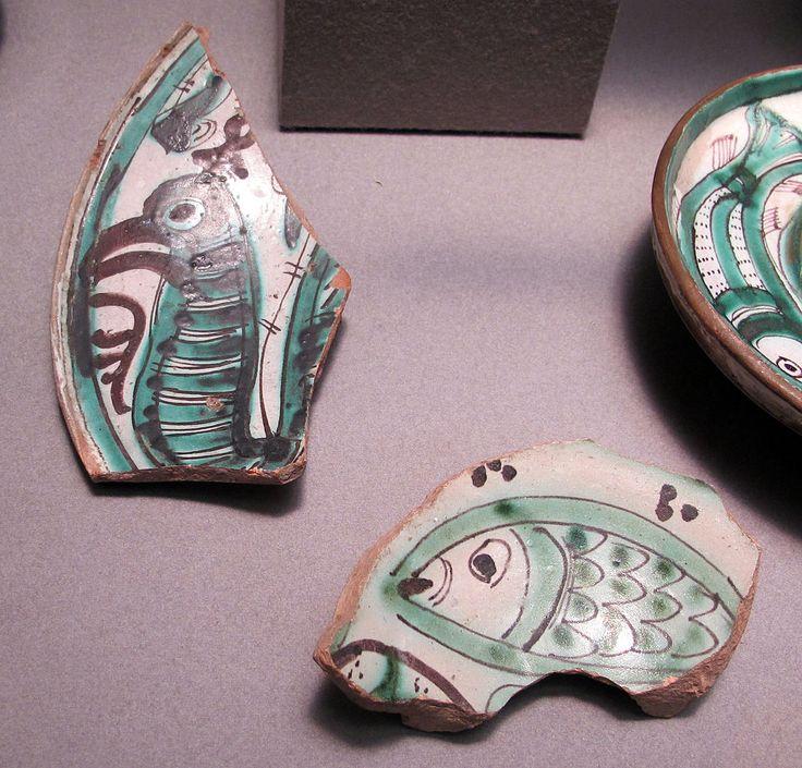 Spagna, frammenti di maiolica, inizio XV secolo