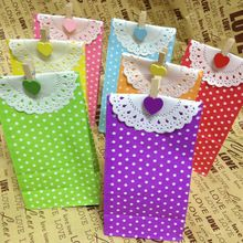 20 stks/partij, Stand up kleurrijke stippen papier gunstzakken met papier kleedjes en klemmen (18x9x6 cm), Gift verpakking zakken, Traktatiezakken(China (Mainland))