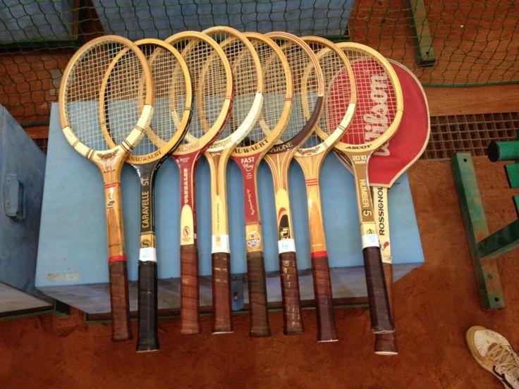 """Rod Laver Tournament! Sfida """"old shool"""" con le racchette di legno...#rodlaver #tournament #torneo #tennis #racchette #legno #oldschool #white #blackandwhite #succedeinolona #canottieriolona1894 #milan #milano #navigli #navigliogrande"""
