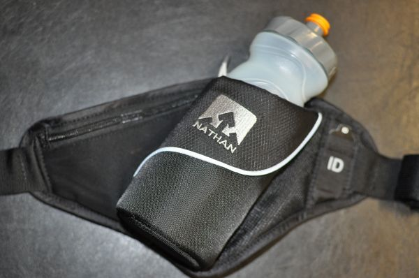 トレイルランニング ネイサン NATHAN TRIANGLE (Black)  ボトルが入るウエストポーチ