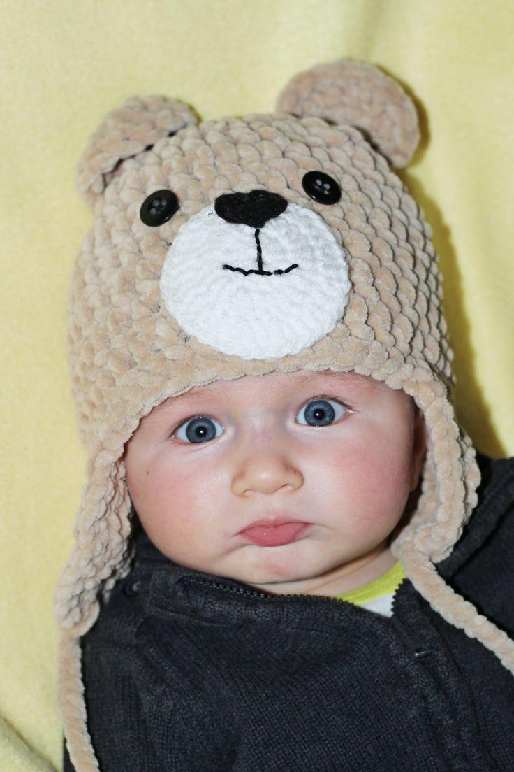 Plyšový medvídek Příze DOLPHIN BABY je luxusní akrylová příze, která doslova vyzývá k zachumlání. Je měkká, jemná,nadýchaná a přitom silná a hřejivá. Je vhodná i pro miminka. Velikost na přání.