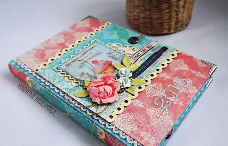 Kalendarz na 2015r. – Kalendarze - kolor: różowy, akwamaryna, ciemnozielony, wymiary: 11,5x17cm (A5) – Artillo