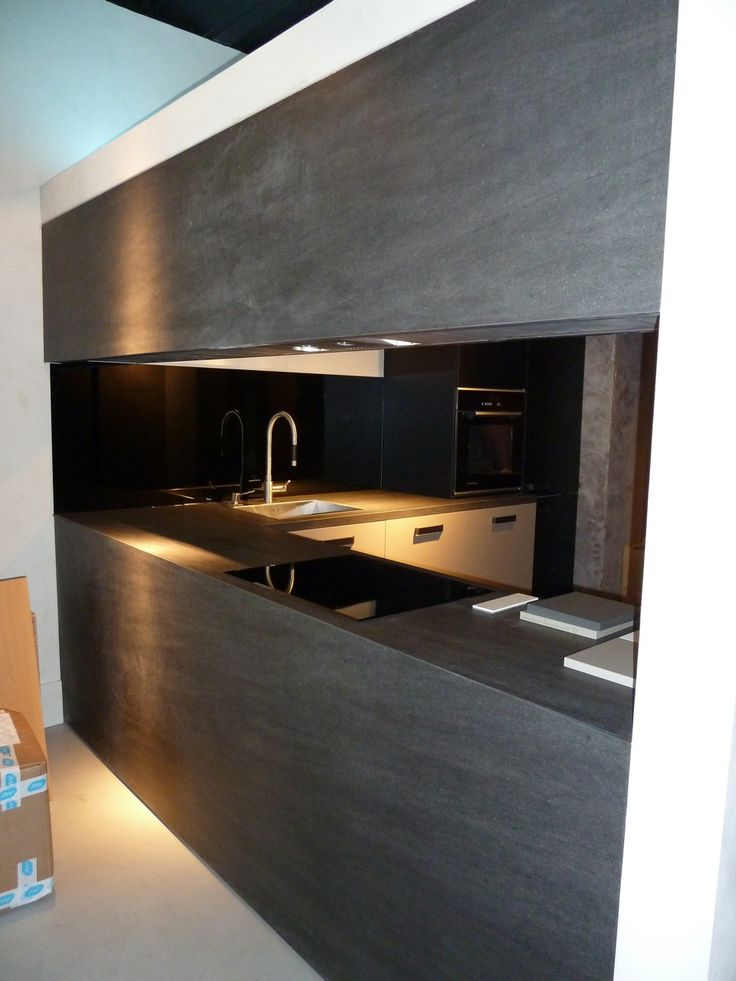 Marvelous Countertops Made From Large Tiles! NEOLITH BASALT BLACK Wall Application