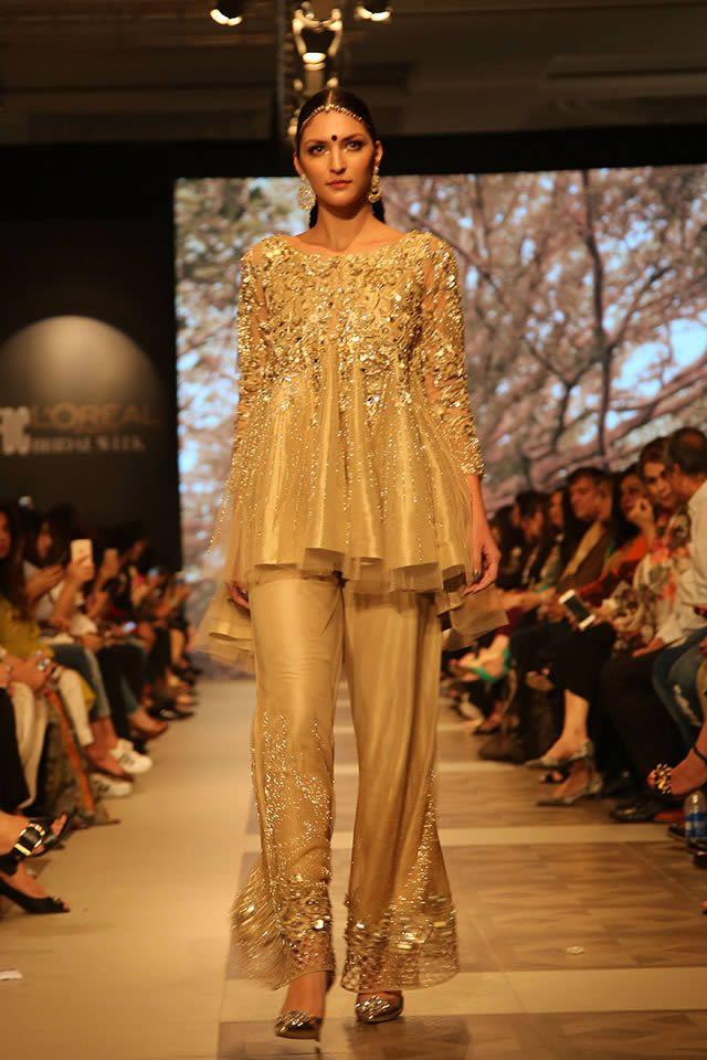 Pakistani Fashion Designer Shamsha Hashwani Latest Bridal Dresses At Pfdc Loreal Paris Brid Fashion Design Dress Latest Bridal Dresses Pakistani Bridal Dresses