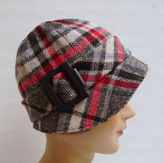 Adorable hat for late Fall Gamedays. Plaid cloche hat--sort of hair friendly, too