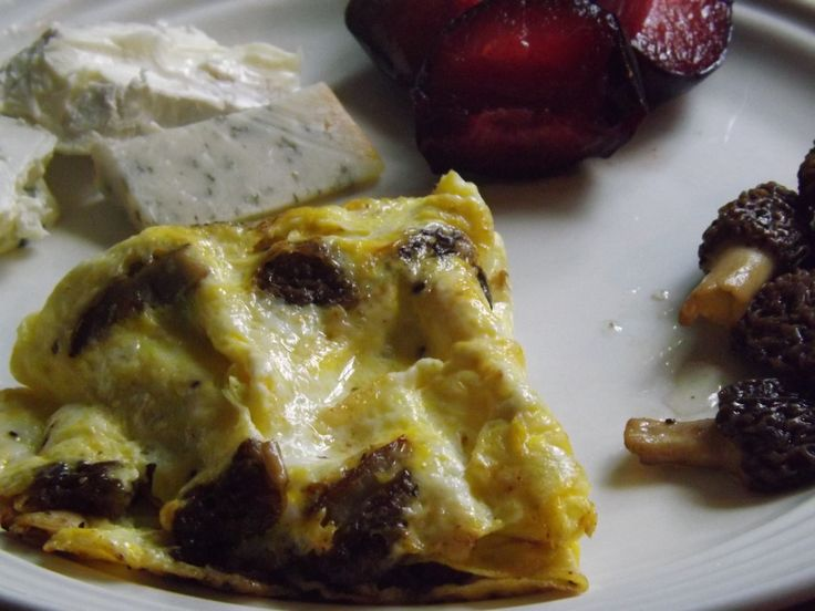 ... mushroom omelet, black pluot, & camembert, gorgonzola, gouda cheeses