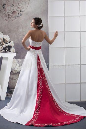 Wedding Dress met rood lint om de middel