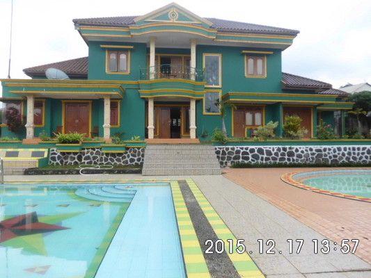Disewakan Villa Haqinah-Gadog, Bogor, Booking Time 1 Bulan Sebelumnya. Villa Haqinah bisa untuk kegiatan acara Reuni, Diklat, Seminar, Libuaran Sekolah/Kampus, Gathering.