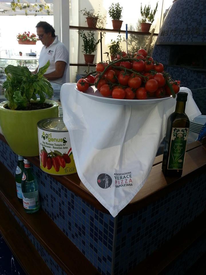 Tomatoes from Santorini Marechiaro Pizza Mykonos