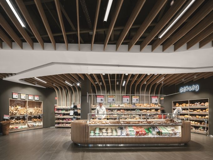 Lighting ensures unique shopping experience | lighting.eu